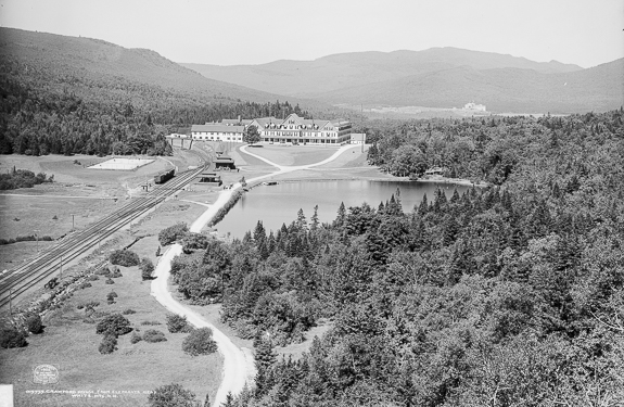 Crawford House c. 1906 in the New Hampshire White Mountains by the Detroit Publishing Company. Courtesy Library of Congress, Prints & Photographs Division, Detroit Publishing Company Collection,[LC-DIG-det-4a13669].